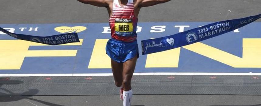 Ganador del Maratón de Boston glorifica a Dios y pide que bendiga su ciudad