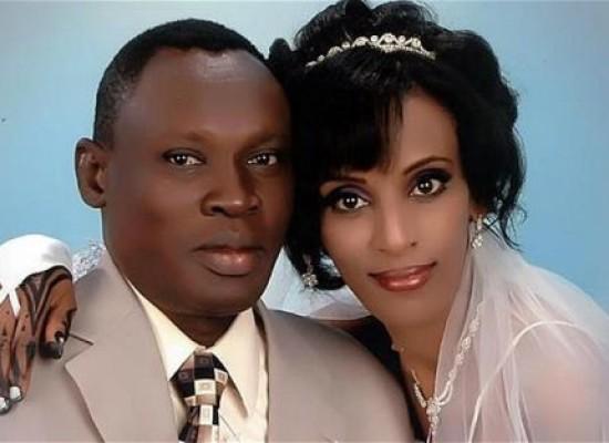 Mujer sudanesa condenada a muerte da a luz en prisión
