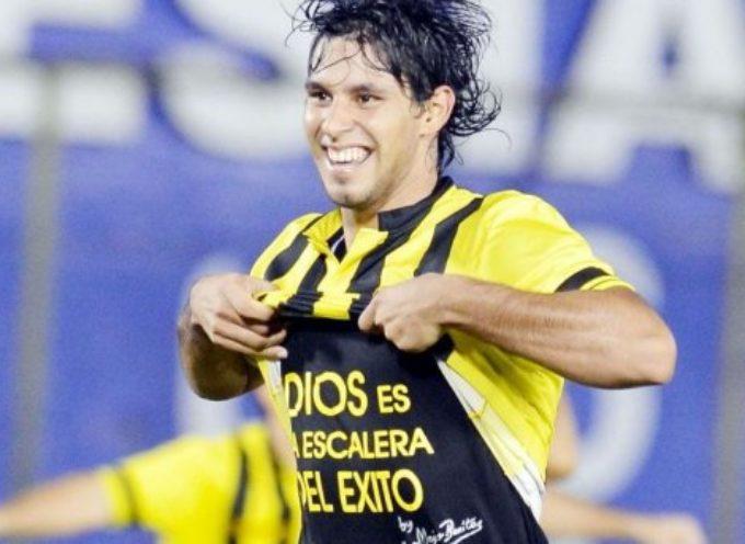 Paraguay: Suspenden a futbolista por mostrar un mensaje cristiano