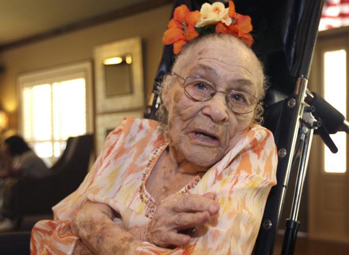 Anciana de 116 años dice que el secreto para una larga vida es confiar en Dios