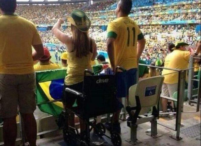 Milagro en el mundial 2014: Falsos discapacitados festejan los goles de pie