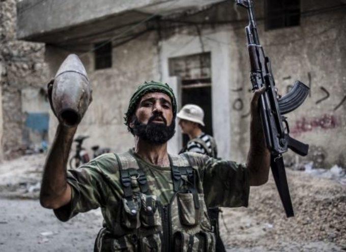 Rebeldes islamistas crucifican a nueve cristianos en Siria