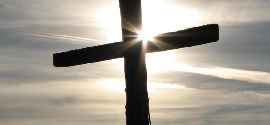 Quitan cruz de iglesia cristiana en China