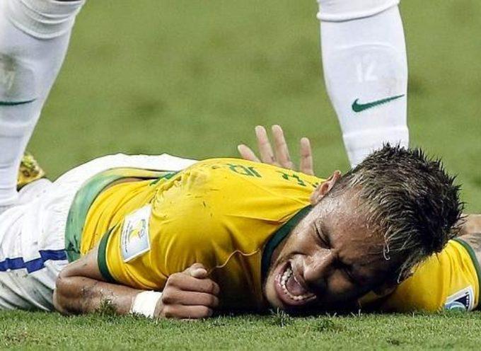 Neymar mira a Dios tras su lesión, 'Jesús estaba conmigo'