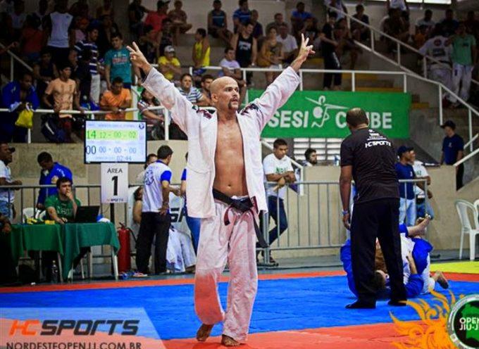 Pastor usa su título de campeón de Jiu-Jitsu para evangelizar