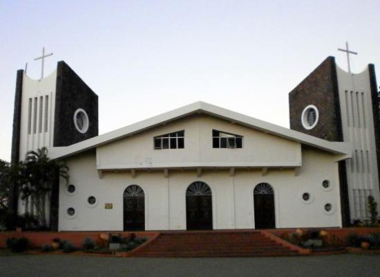 Obligan a evangélicos compartir instalaciones con grupo satánico