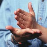 México: Organización de fe enseña a niños sordos principios bíblicos