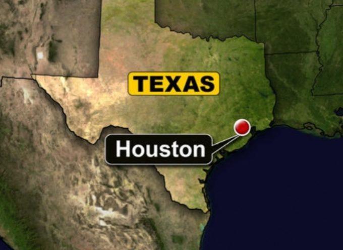 "Alcalde de Houston investiga prédicas con ""discursos homofóbicos"""