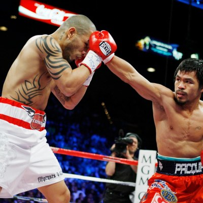 Manny Pacquiao ora para que Floyd Mayweather cambie