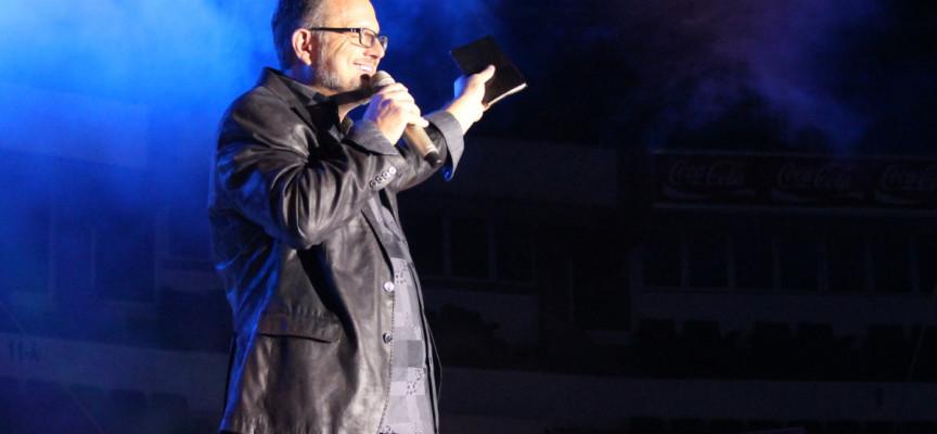 Marcos Witt realiza conferencia de prensa previa al concierto en Tecnópolis