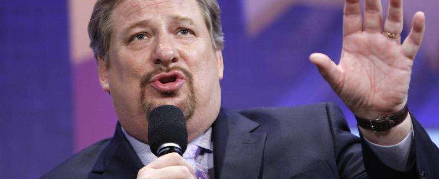 """""""La Iglesia no debe ceder al matrimonio gay"""", dijo Rick Warren"""