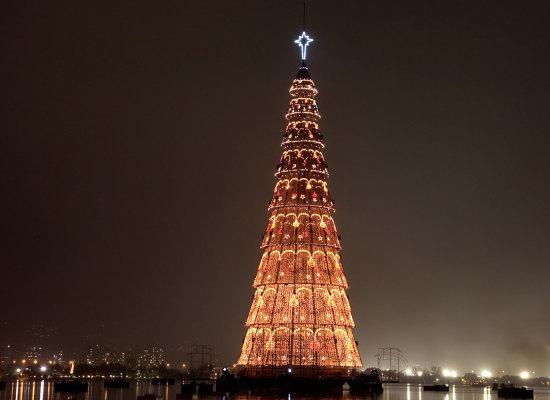 Arbol navideño genera amenazas de Corea del Norte hacia Corea del Sur