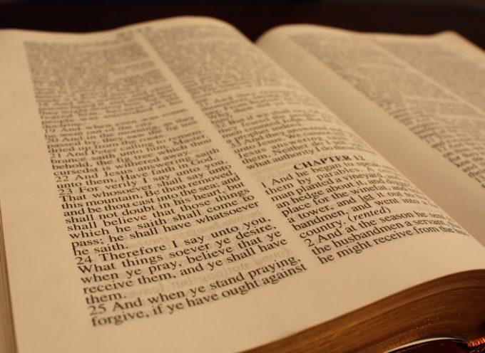 Australia: piden que se deje de vender la Biblia por violencia contra la mujer