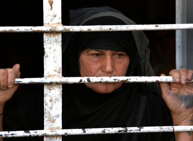 Compra mujeres cristianas esclavas del EI para liberarlas