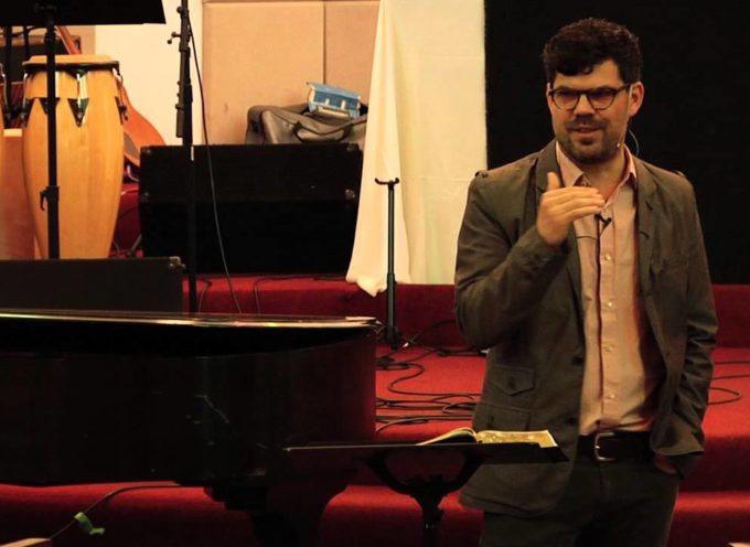 """Pastor se vuelve ateo después de estar un año """"sin Dios"""""""
