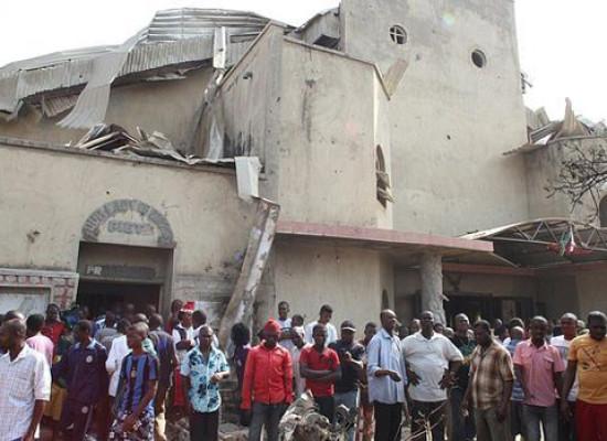 Queman iglesia, casa del pastor y matan a 10 cristianos en Nigeria