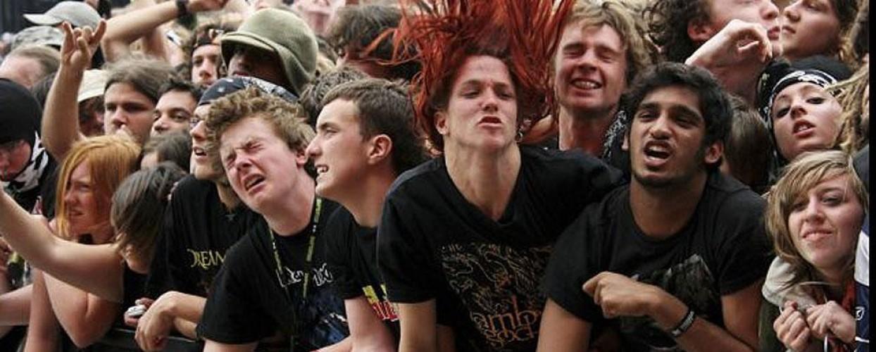 Insolito: lo subsidian por discapacidad por adicción al heavy metal