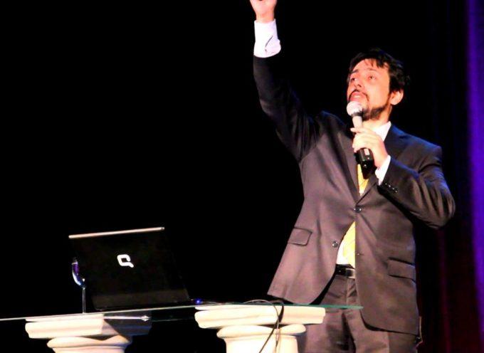 Martín Salazar se prepara para lanzar su nuevo álbum
