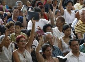 """Se realiza el primer envío """"legal"""" de Biblias a Cuba desde Estados Unidos"""