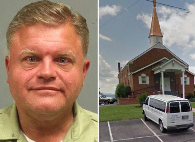 EEUU: Pastor roba 60 mil dolares a su iglesia para citas gays