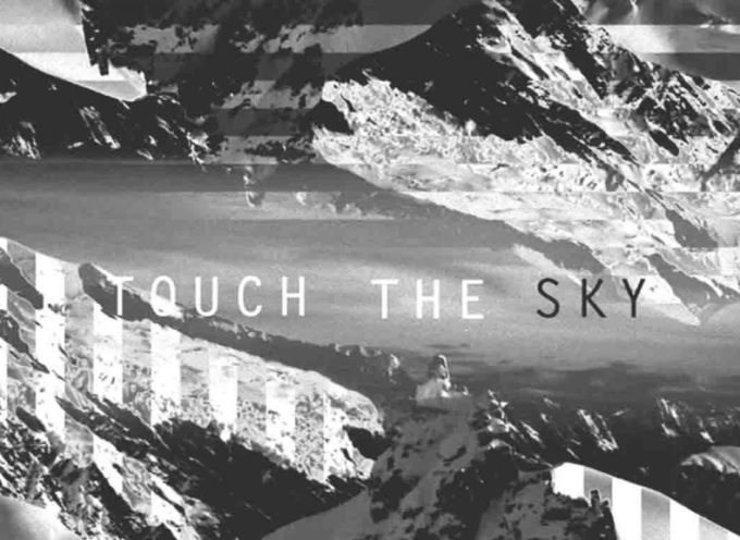 Hillsong United presenta «Touch The Sky»