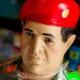 """Convierten a Hugo Chávez en """"santo"""" y venden su imagen de yeso?"""