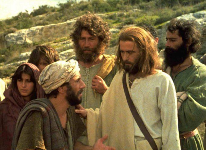 Exhiben película sobre Jesús en restaurante y 30 clientes se convierten
