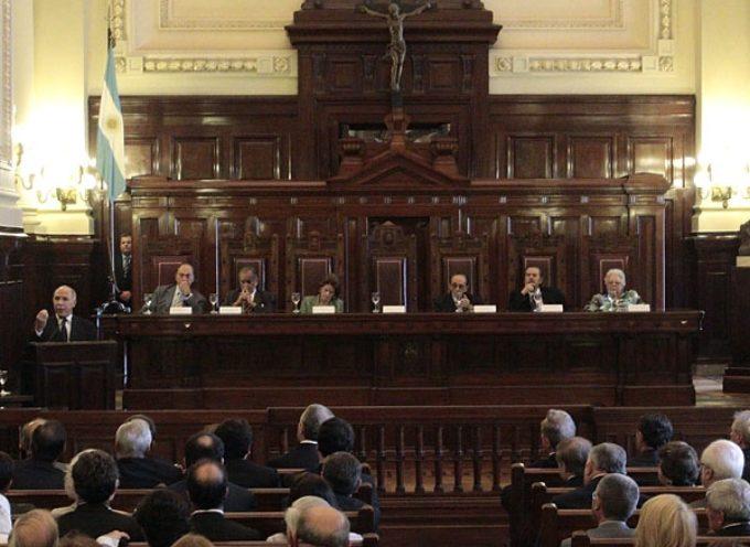 Tribunal argentino reduce pena a violador de un niño, porque es gay