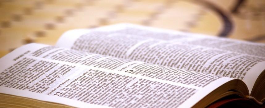 Egipcio cristiano enfrenta juicio por regalar Biblias