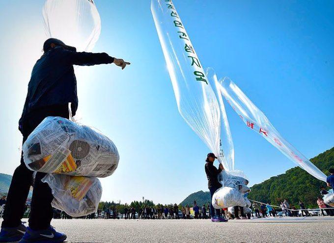 Globos cargados de biblias invaden los cielos de Corea Del Norte