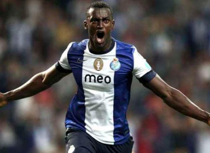 Jackson Martínez, jugador del Atlético de Madrid hace goles para Dios