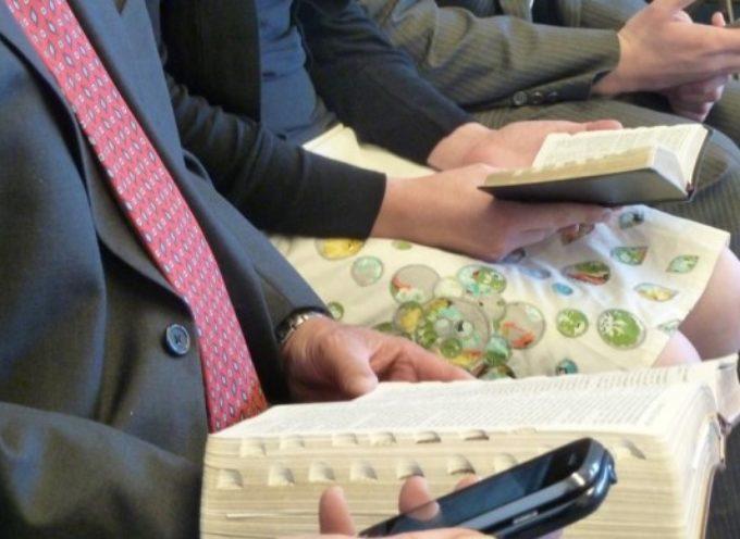 Prohíben uso de celulares en las iglesias de un municipio brasileño