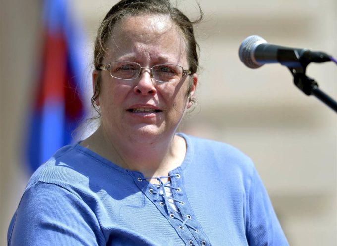 Encarcelan a mujer que no quería expedir licencias de matrimonio igualitario