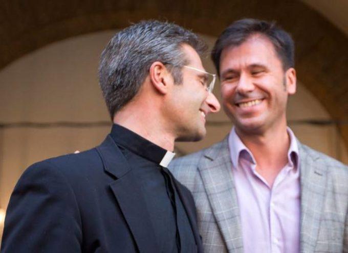 Teólogo del Vaticano declara su homosexualidad antes de conferencia de la familia