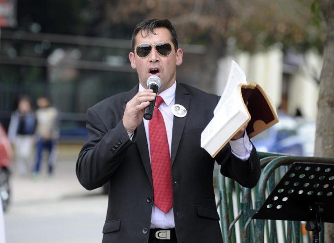 Justicia chilena falla a favor de pastor Soto acusado por movimiento homosexual