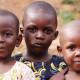 Una mujer cuida de 51 huérfanos del Ébola en su propio hogar