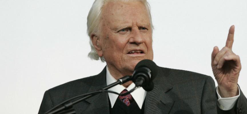 """""""Prepárense para la persecución"""", advierte Billy Graham a iglesias de EEUU"""