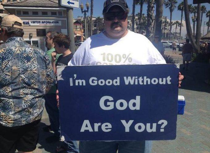 """Ateos quieren inscripción """"Nosotros confiamos en Satanás"""" en distritos de EEUU"""