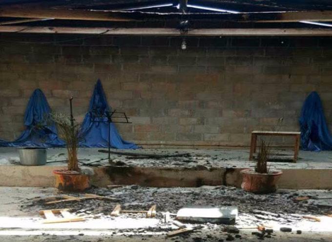 Incendian templo evangélico en Chiapas