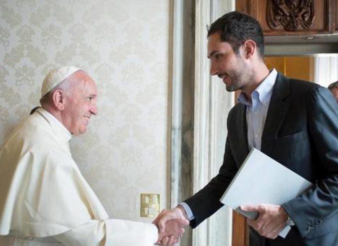 Papa se reúne con fundador de Instagram para ejecutar plan ecuménico en las redes sociales