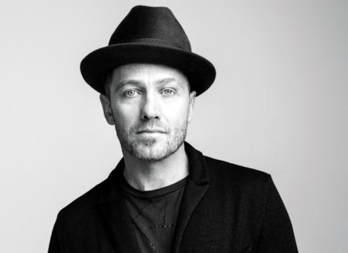 "TobyMac estrena video clip ""Lights Shine Bright"""