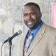 Medico fue despedido por ser pastor y predicar contra la homosexualidad