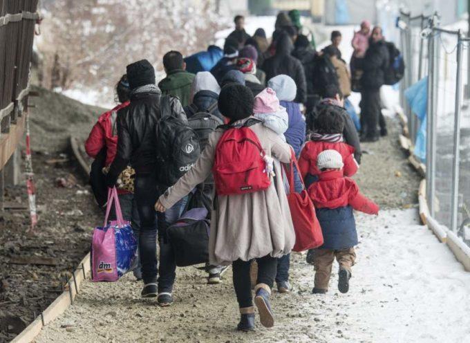 Refugiados cristianos en Alemania luchan por su fe debido a extremistas musulmanes
