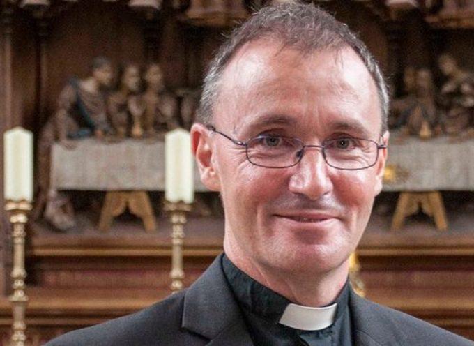 Iglesia de Inglaterra redobla debate interno tras declararse gay un obispo