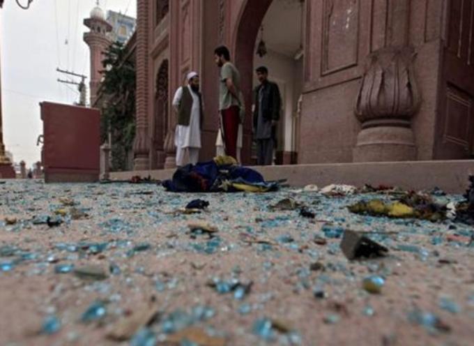 Pakistán: Ataque a colonia cristiana y tribunal deja varios muertos y heridos