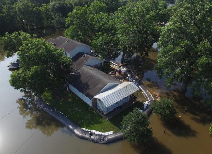 Obedece a Dios y su casa no es afectada por las inundaciones
