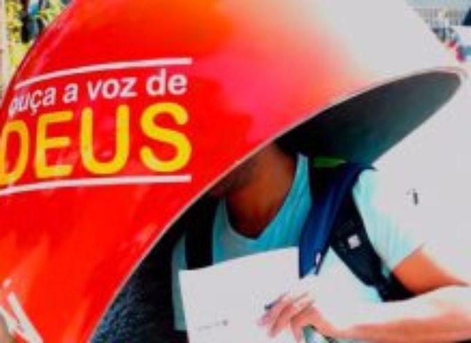 Teléfono público en Brasil es usado para evangelizar