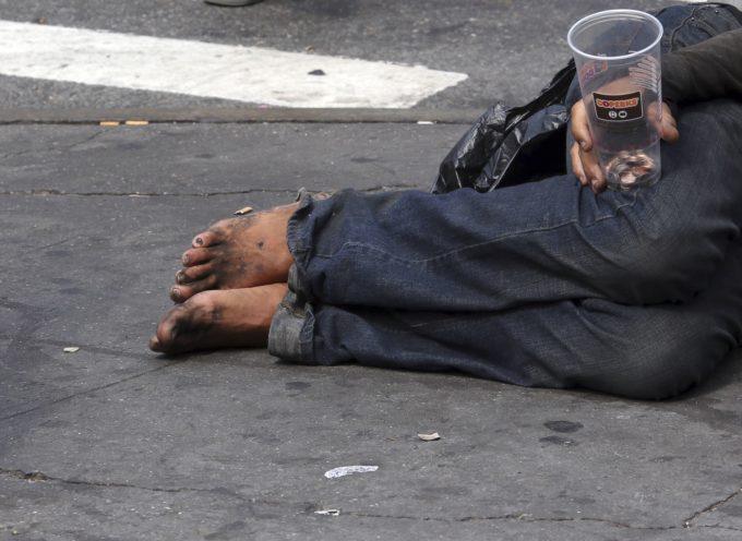Voluntarios cristianos brindan cobijo a personas sin hogar en Reino Unido