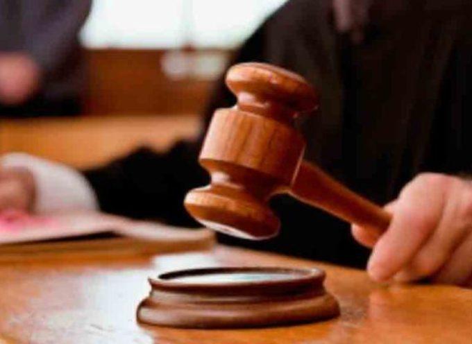 EEUU: Juez procesado por iniciar audiencias haciendo una oración