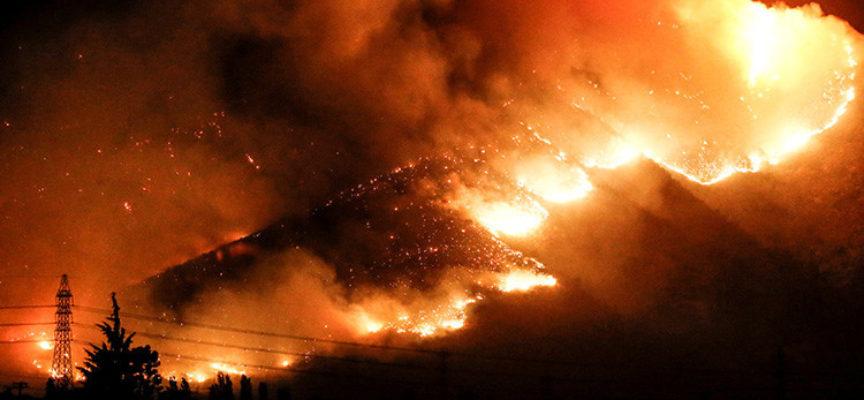 Pastor dice que Chile fue castigado con incendios por aprobar leyes satánicas